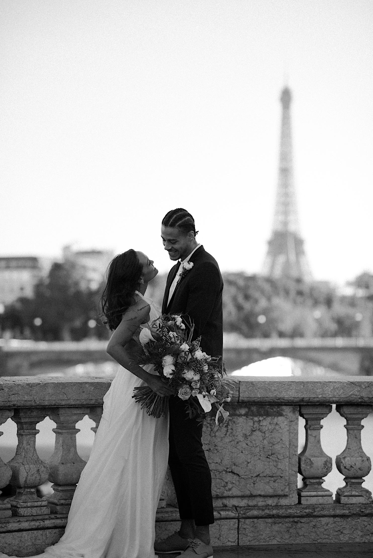 Paris Wedding Photos Paris Wedding Photographer Paris Photographe De Marriage Pont Alexandre Wedding Photos Anais Possamai Photography 20