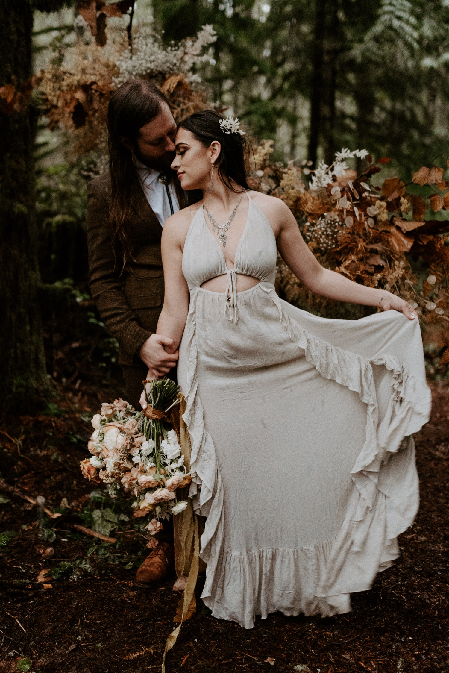 The Woodlands House Sandy Oregon Elopement Portland Elopement Photographer PNW Adventurous Elopement Anais Possamai Photography 024