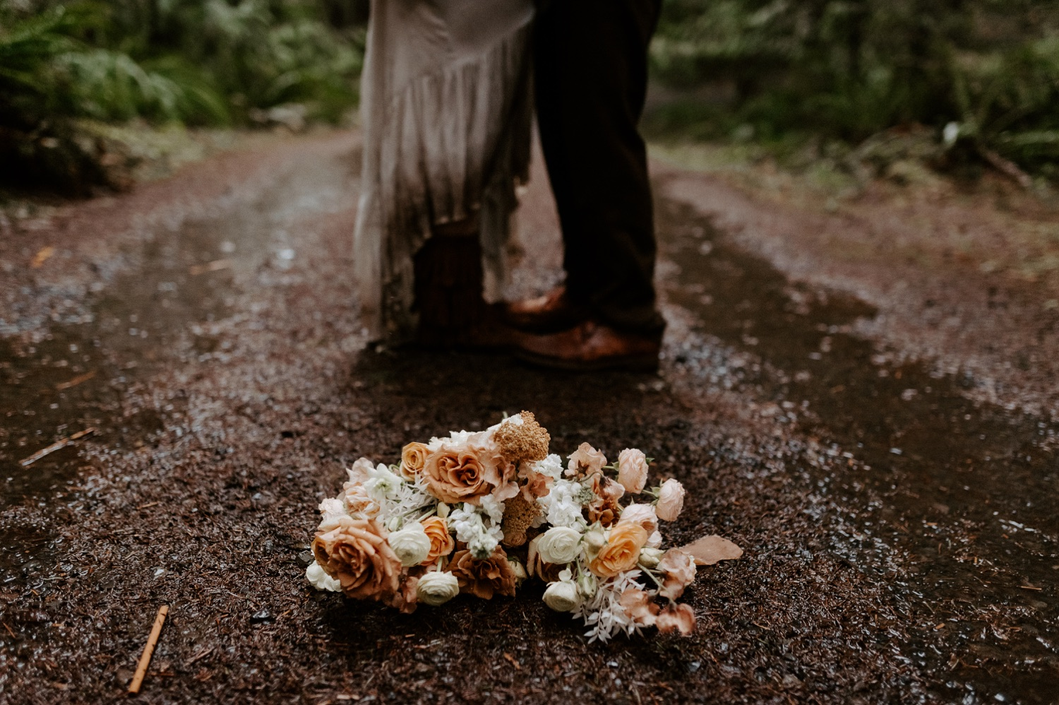 The Woodlands House Sandy Oregon Elopement Portland Elopement Photographer PNW Adventurous Elopement Anais Possamai Photography 032
