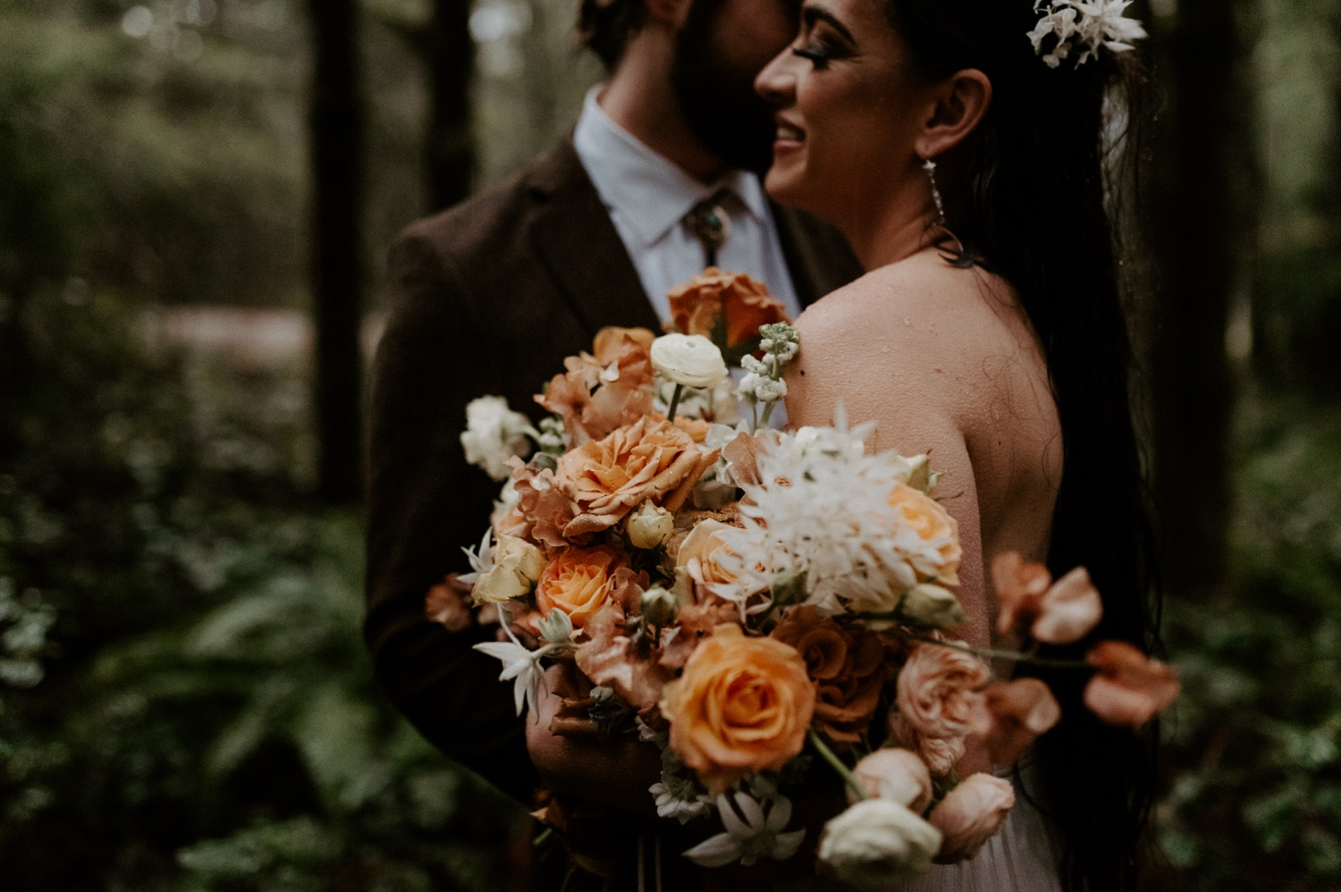 The Woodlands House Sandy Oregon Elopement Portland Elopement Photographer PNW Adventurous Elopement Anais Possamai Photography 041