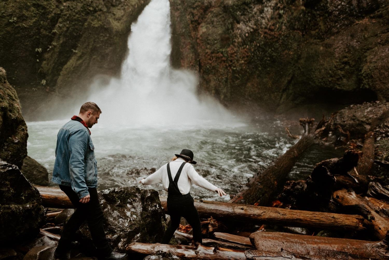 Wahclella Falls Engagement Session Columbia River Gorge Oregon Portland Wedding Photographer Anais Possamai Photography 003