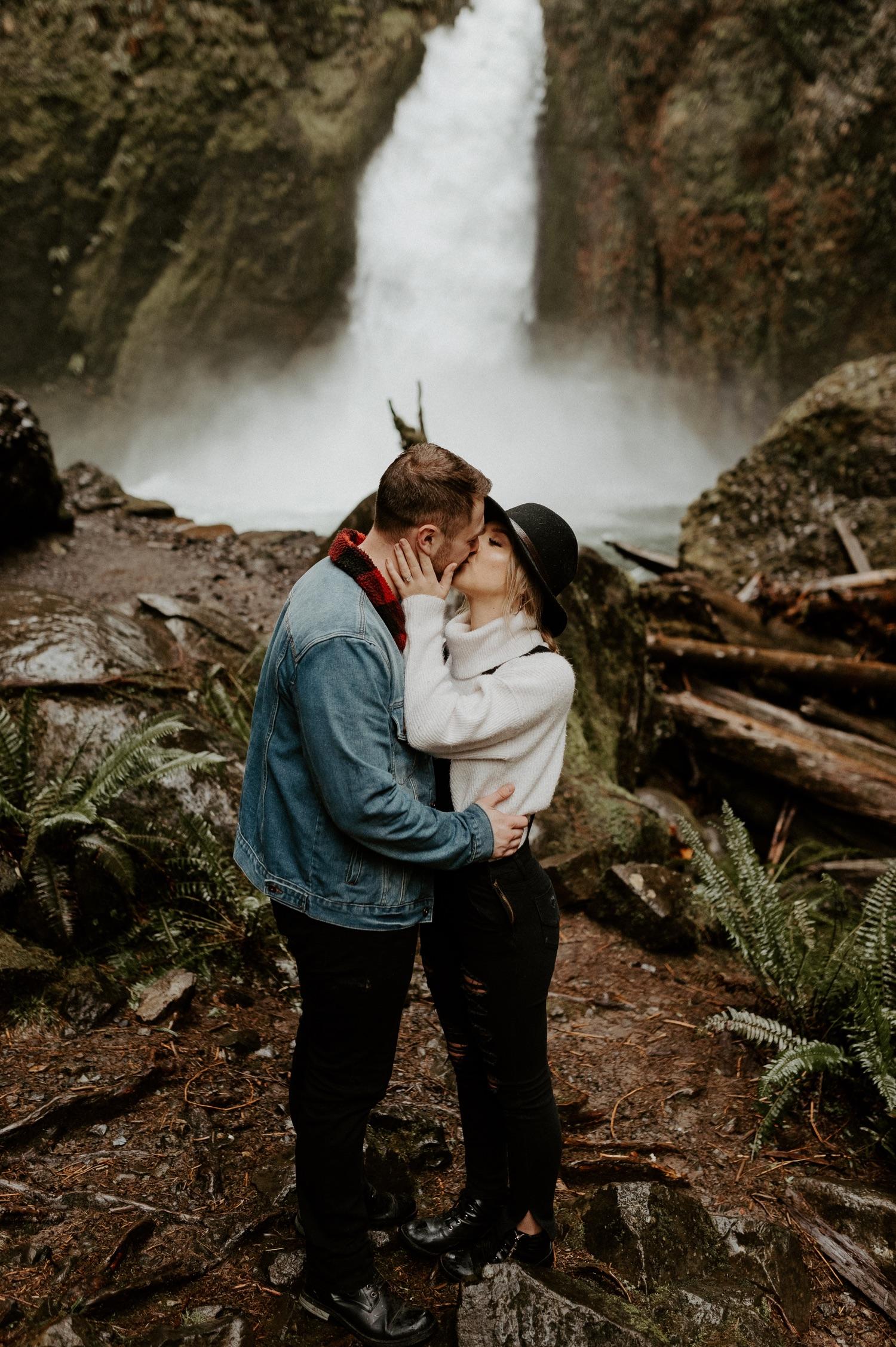 Wahclella Falls Engagement Session Columbia River Gorge Oregon Portland Wedding Photographer Anais Possamai Photography 019