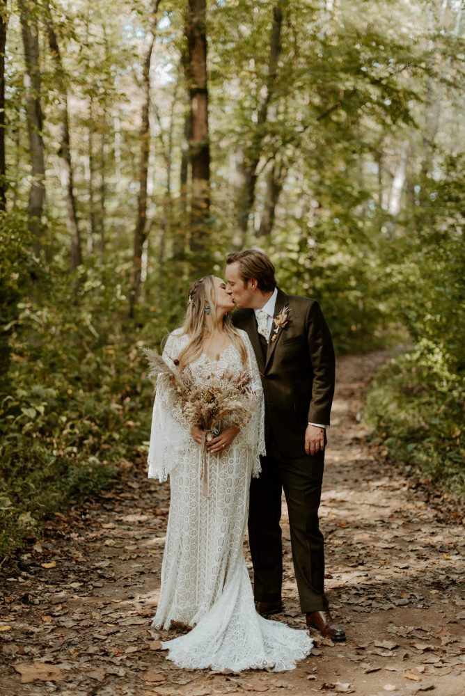 New Jersey Backyard Wedding Vintage Boho Wedding Hemlock Falls NJ Bend Oregon Wedding Phtographer Anais Possamai Photography 033